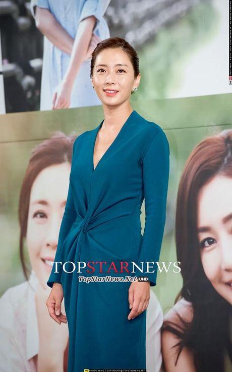 Phu nhan Choi Yoo Jin (The K2) cu tre dep the nay, bao sao YoonA (SNSD) bi lu mo - Anh 9