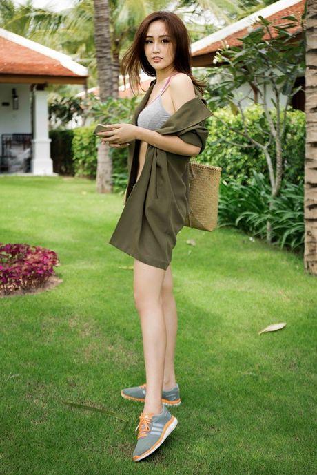 Mai Phuong Thuy khoe vong eo con kien sau scandal chinh anh qua da - Anh 15