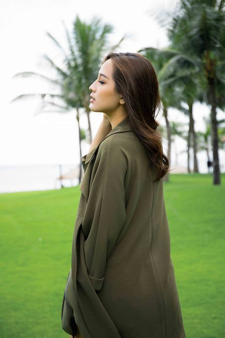 Mai Phuong Thuy khoe vong eo con kien sau scandal chinh anh qua da - Anh 2