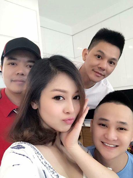 Jennifer Pham 'vac' bung bau 7 thang di chup hinh - Anh 10