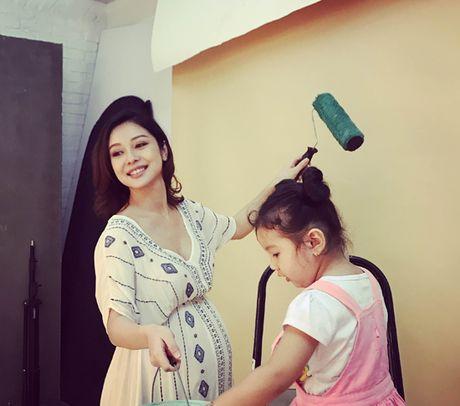 Jennifer Pham 'vac' bung bau 7 thang di chup hinh - Anh 5