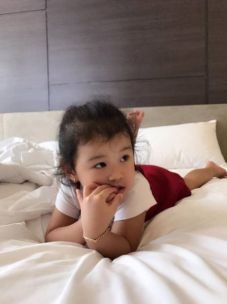 Jennifer Pham 'vac' bung bau 7 thang di chup hinh - Anh 8