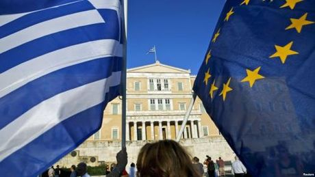 Eurozone tuyen bo khong giam them no cho Hy Lap - Anh 1