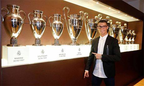 Ronaldo tu tin van con 10 nam choi bong dinh cao - Anh 2