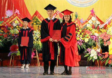 Thu truong Bo LD-TB&XH du le khai giang o truong Dai hoc Su pham ky thuat Vinh - Anh 4