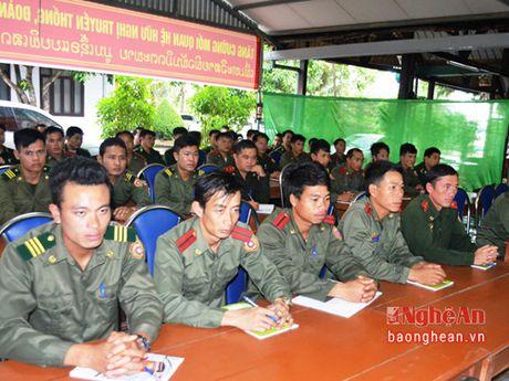Tap huan cong tac quan ly, bao ve bien gioi cho can bo bien phong tinh Xieng Khoang - Anh 1