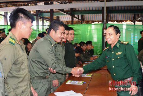 Tap huan cong tac quan ly, bao ve bien gioi cho can bo bien phong tinh Xieng Khoang - Anh 2