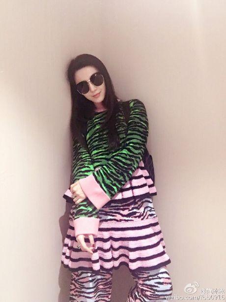 Dao instagram de thay hoi fashionista the gioi 'giai quyet' cac item tu BST H&M x Kenzo nhu the nao! - Anh 2
