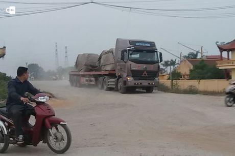 Bac Ninh: Doan xe qua tai va hanh trinh trai phep tren de Kenh Vang - Anh 1