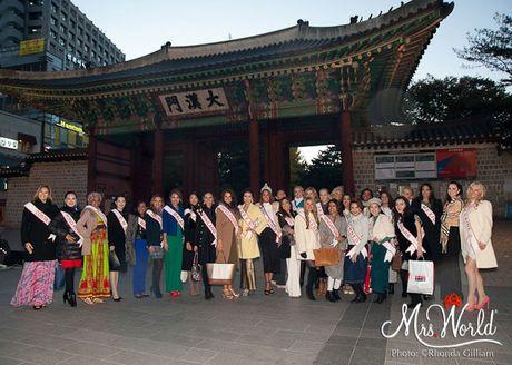 Dai dien Viet Nam - Xuan Thuy lot top 5 Hoa hau Quy ba - Mrs World 2016 - Anh 15