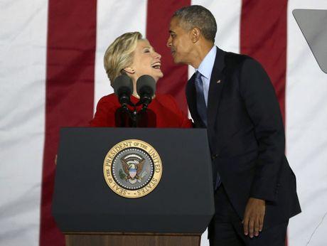 Trump thuc trang dem, Clinton mang 'sao' tranh cu phut cuoi - Anh 9