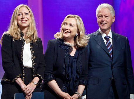 Hillary Clinton khong muon con la bong hoa trong phong kinh - Anh 2