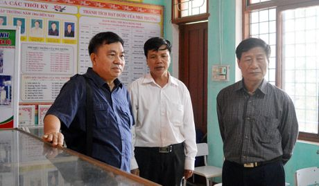Hoi Xuat ban tang sach cho hoc sinh vung lu lut Quang Binh - Anh 1