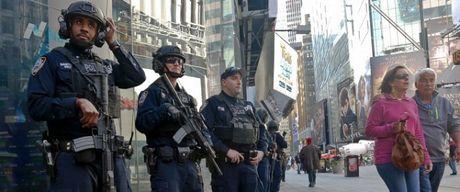 [Anh]: Luc luong an ninh hung hau tai New York trong ngay bau cu - Anh 1