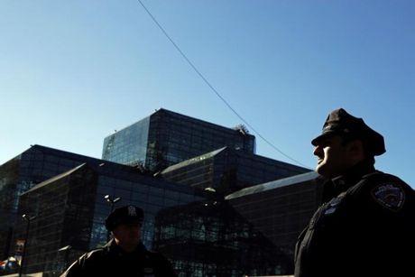 [Anh]: Luc luong an ninh hung hau tai New York trong ngay bau cu - Anh 4