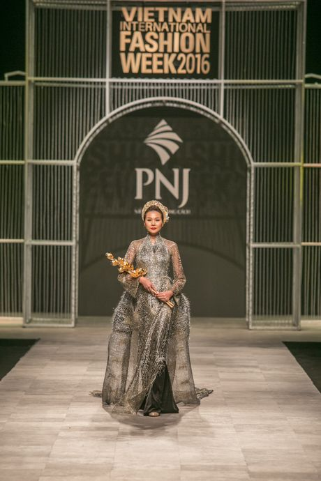 Vietnam International Fashion Week Thu Dong 2016 & Top 7 BST Dep chon - Anh 35