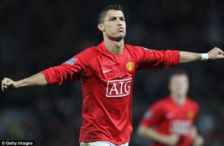 Ronaldo tiet lo 'chieu' Sir Alex dung de thuyet phuc anh gia nhap Man United - Anh 1