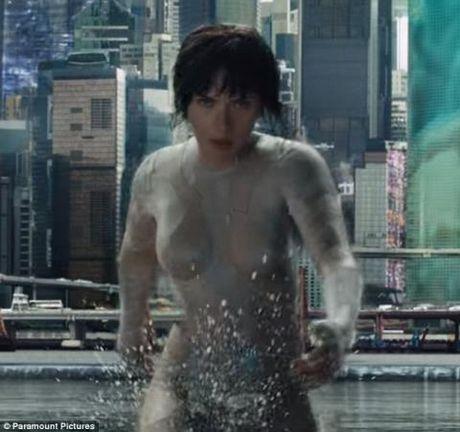 Scarlett Johansson goi cam voi ao chong dan xuyen thau trong 'Ghost in the Shell' - Anh 1