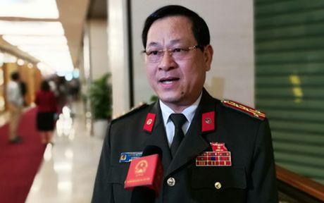 'Ong Vu Dinh Duy di nuoc ngoai chua benh chi la cai co' - Anh 1
