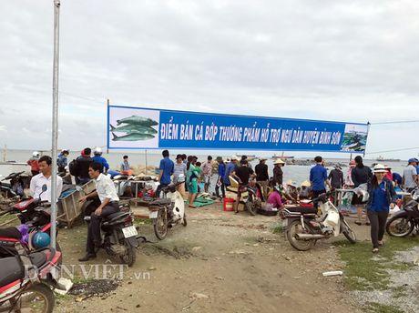 Quang Ngai: Nu Bi thu huyen dich than ra tay 'giai cuu' ca bop - Anh 1