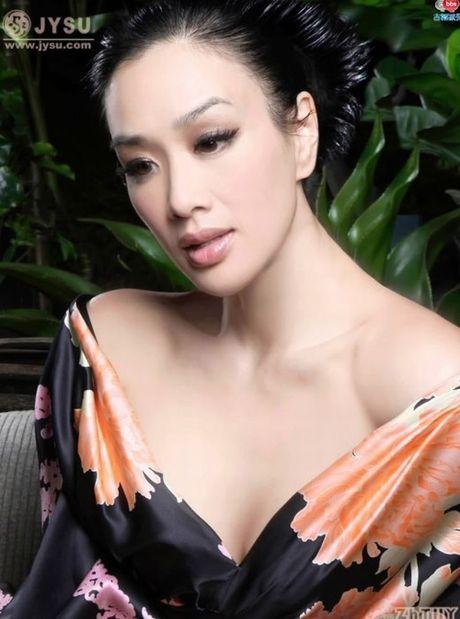 'Bom sex' goc Viet: 3 chong, 3 con, cuc sexy va giau su - Anh 14