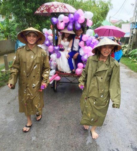 1001 kieu ruoc dau mua lu 'don tim' cong dong mang - Anh 1