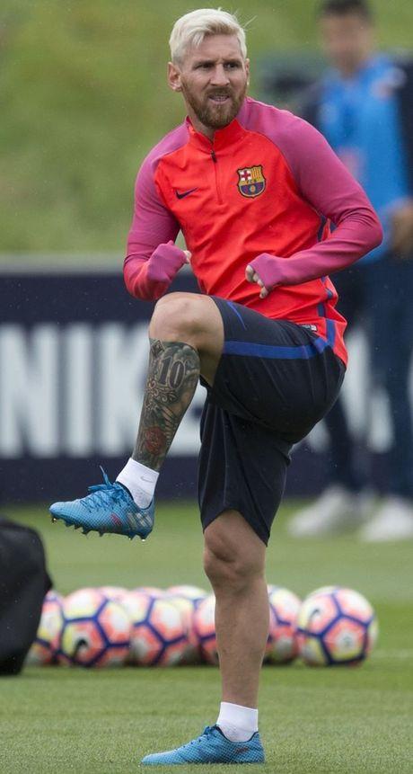 Messi doi phong cach, lan nay la hinh xam - Anh 1
