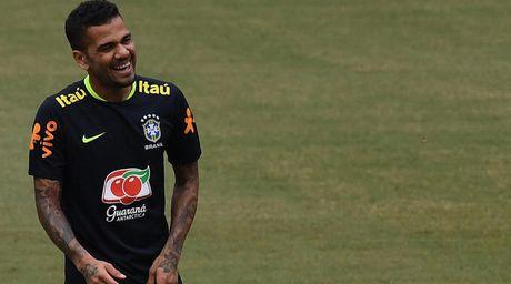 Alves: Brazil se khong so Messi - Anh 1