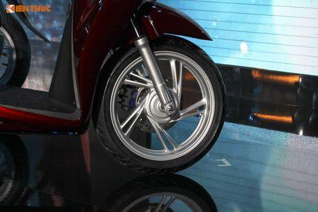 Tang gia ca chuc trieu dong, Honda SH 2017 co gi 'hot'? - Anh 6