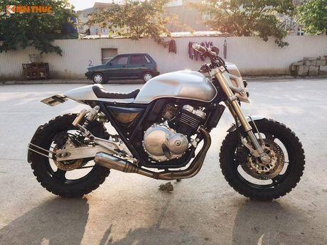 Honda CB400 do 'robot dai chien' Megatron tai Ha Noi - Anh 1