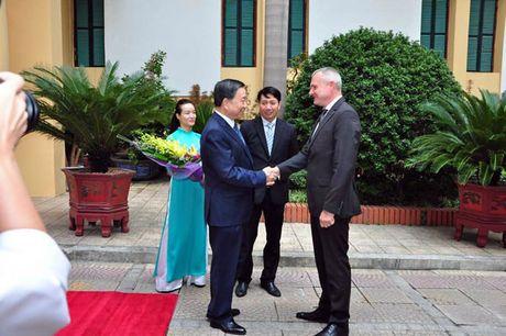 Bo truong To Lam hoi dam voi Doan dai bieu cap cao Bo Noi vu Cong hoa Belarus - Anh 1