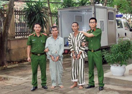 Tron truy na 25 nam van khong thoat - Anh 1