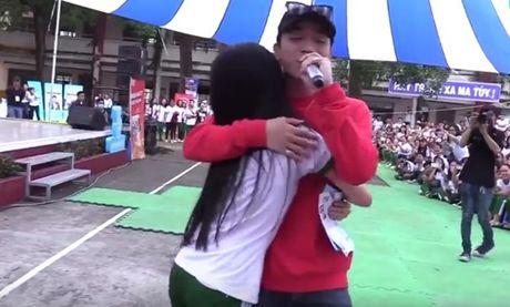 Clip: Do hot bat ngo cua Soobin Hoang Son nho 'Phia sau mot co gai' - Anh 2