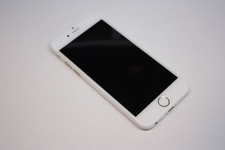 iPhone 7 va 7 plus sap co them phien ban mau trang bong-Jet White - Anh 3