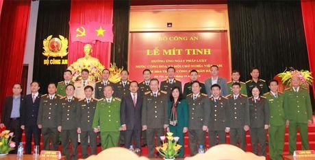 Bo Cong an to chuc Le mit-tinh huong ung Ngay Phap luat Viet Nam - Anh 3
