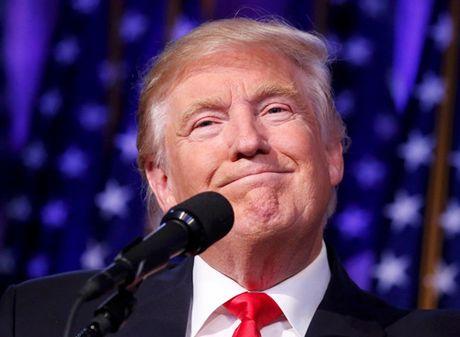 Trump xuat hien lan dau tien sau chien thang - Anh 5