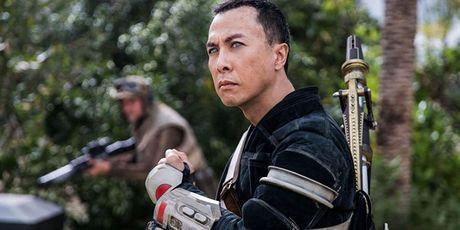Chinh Chan Tu Dan doi duoc mu loa trong 'Star Wars' - Anh 1