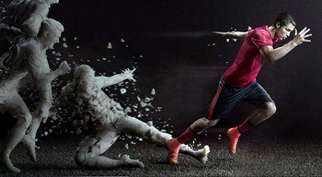 Ronaldo ky hop dong khung, tron doi voi Nike - Anh 1