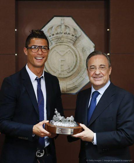 Ronaldo ky hop dong khung, tron doi voi Nike - Anh 4