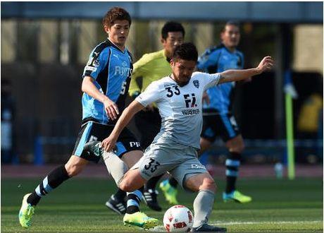 CLB Avispa Fukuoka mang doi hinh chinh voi hai tuyen thu quoc gia sang Viet Nam - Anh 3