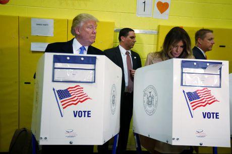Nhung hinh anh dang nho trong hanh trinh tranh cu cua Donald Trump - Anh 19
