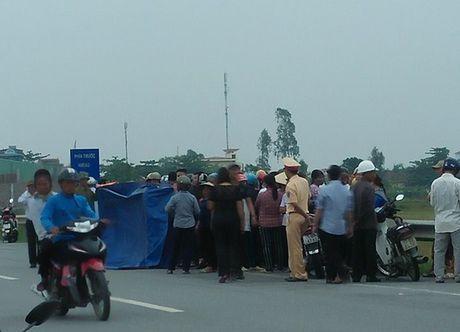 Me cho con di xe SH tu vong: Cong an Thai Binh neu ro nguyen nhan - Anh 1