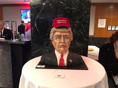Tiec mung chien thang cua Donald Trump da khai man - Anh 6