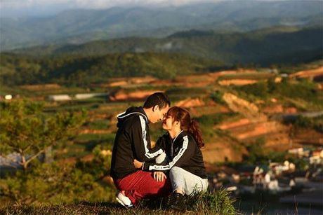 Sau hon nhan tan vo, day la hanh phuc moi cua BTV Hoang Linh (Chung toi la chien si) - Anh 11