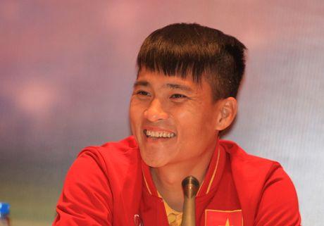 Cong Vinh thang va that: 'Thai Lan da vuot chung ta' - Anh 1