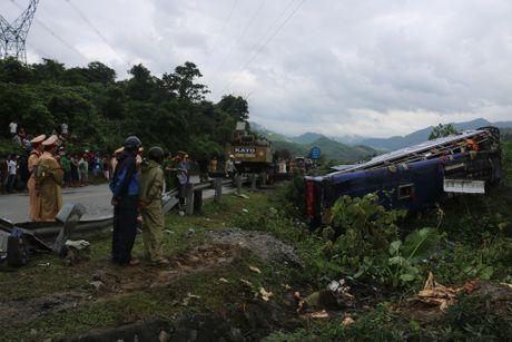 Loi ke kinh hoang cua nan nhan trong vu lat xe tai Quang Nam - Anh 2