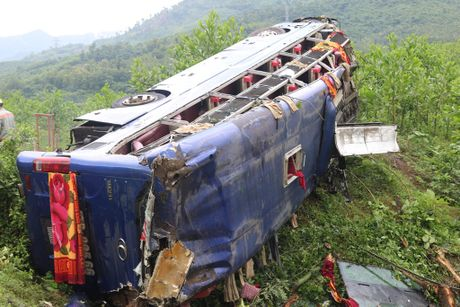 Loi ke kinh hoang cua nan nhan trong vu lat xe tai Quang Nam - Anh 3