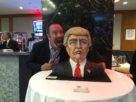 Sach Donald Trump tro nen hot sau khi ty phu My thang cu Tong thong - Anh 5