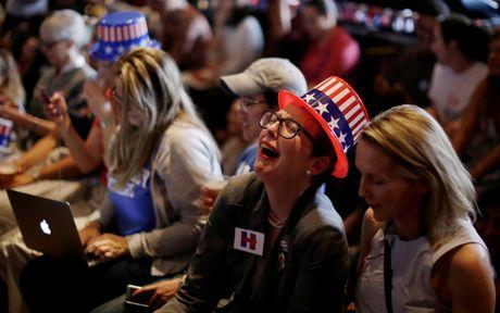 Trang nhap cu Canada bi sap sau khi ong Trump dac cu - Anh 1