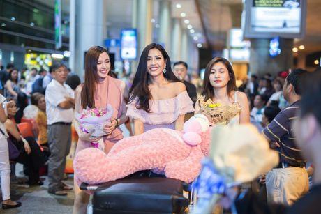 Nguyen Thi Loan rang ro ngay ve nuoc - Anh 4